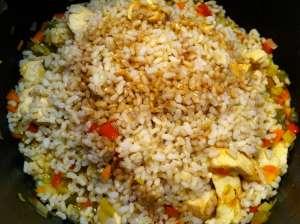 montaña de arroz con soja