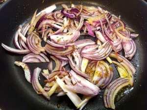 cebolla y primeras especias