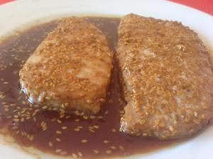 Filetes de atún con soja y sésamo