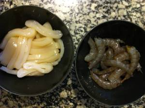 calamar y langostinos