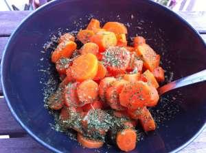 zanahorias cocidas con aliño y perejil