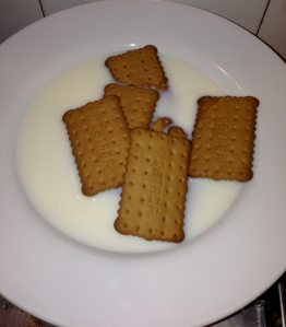 galletas con leche y brandy