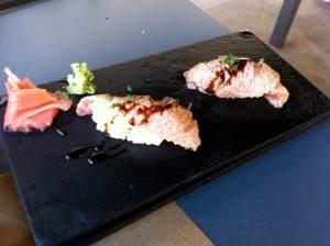 nigiri de ventresca de atún flameada