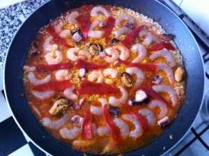 arroz coronado de mariscos