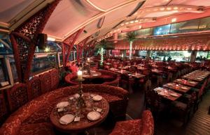 restaurante gilgamesh interior