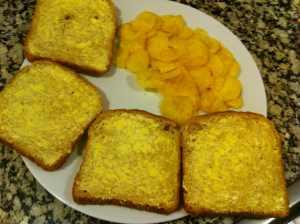 rebanadas de pan con margarina