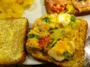 sandwich vegetal con atun