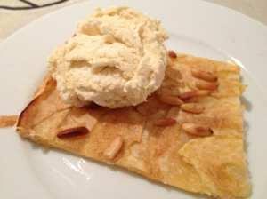 tarta de manzana y piñones