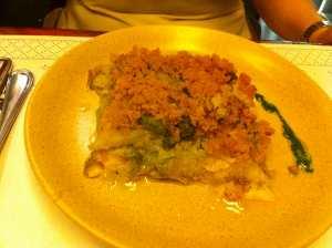 bacalao con col y crumble de pan de maíz