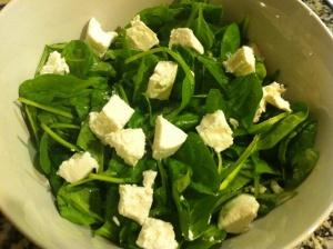 ensalada de espinacas con queso de cabra