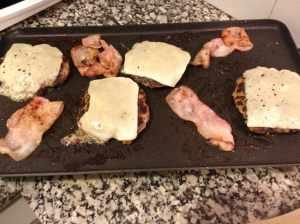 hamburguesas a la plancha con queso y bacon