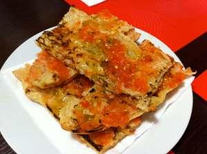 coca tostada con tomate