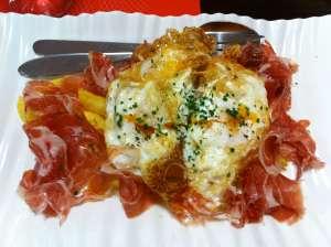 huevos fritos con patatas y jamon