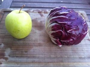 manzana y radicchio