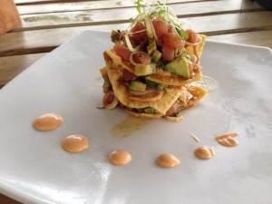 nachos con tartar de atún