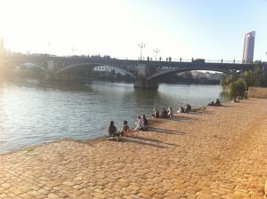 sobremesa en el rio guadalquivir