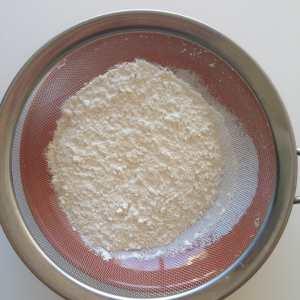 tamizando harina