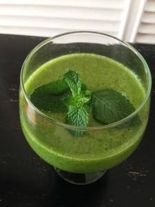 zumo verde frutas