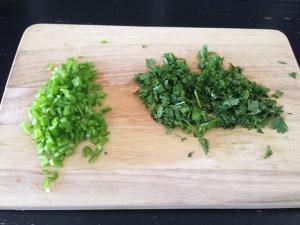 chile verde y cilantro fresco picado
